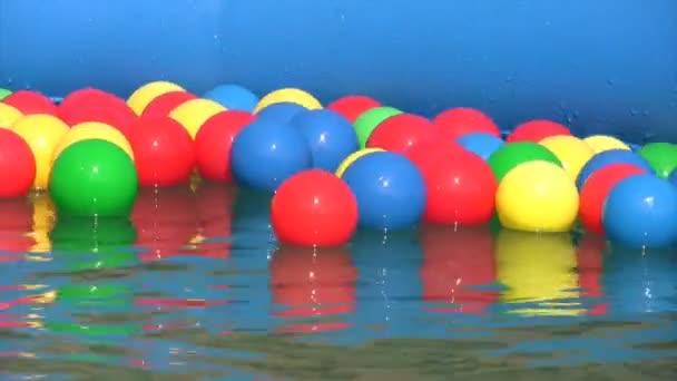soñar pelotas en piscina