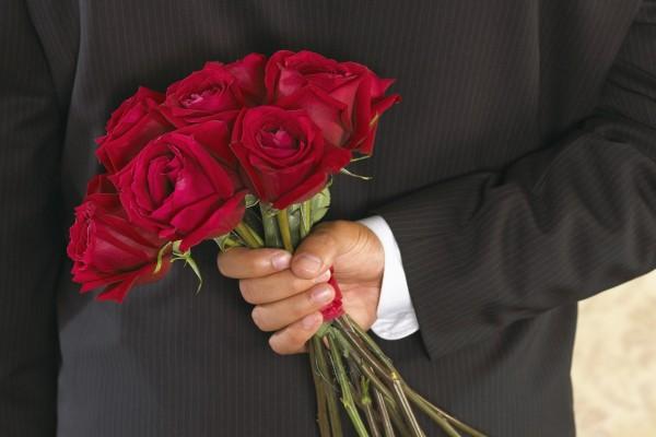 soñar con regalar rosas