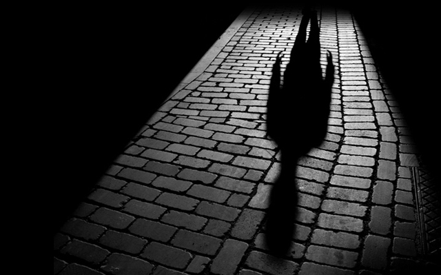 sombra de una persona