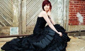 Soñar con vestido de novia negro