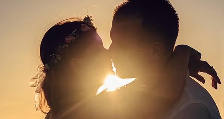 soñar que un desconocido te besa