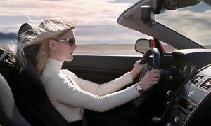 Soñar que conduces un automóvil a alta velocidad