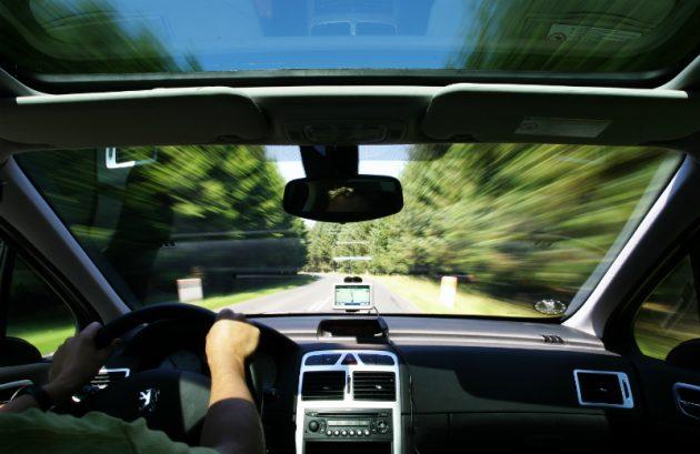 soñar conduciendo a gran velocidad