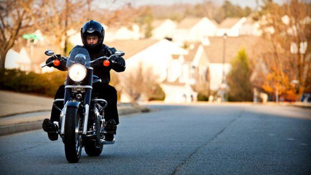 sueños conduciendo motocicleta