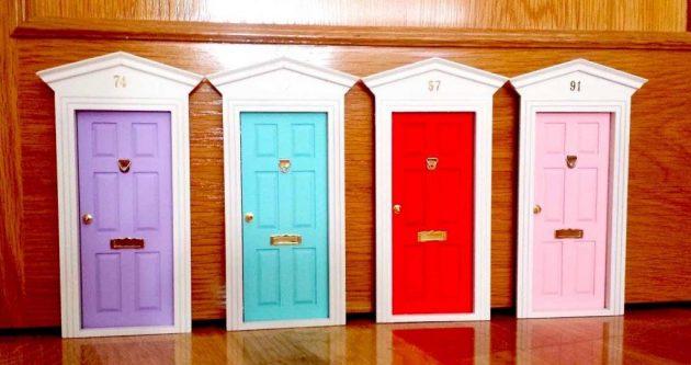 soñar con muchas puertas de colores