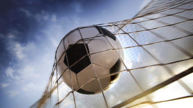 soñar jugando futbol