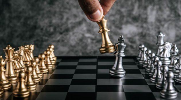 soñar jugando ajedrez