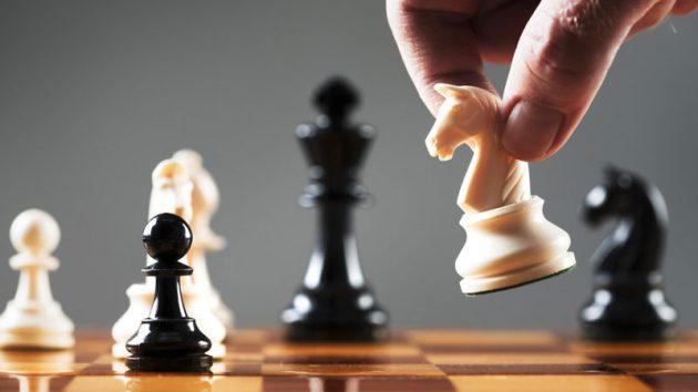 soñar con ajedrez caballo