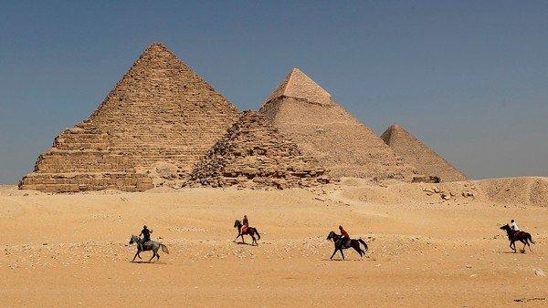 soñar con  una pirámide