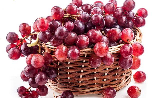 soñar con uvas rojas