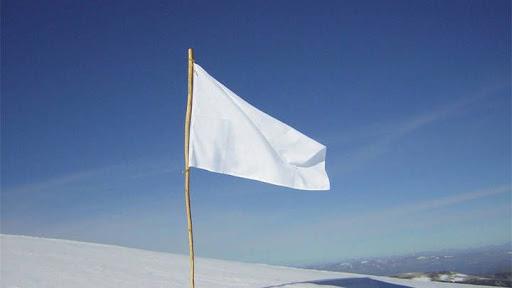 soñar con bandera blanca