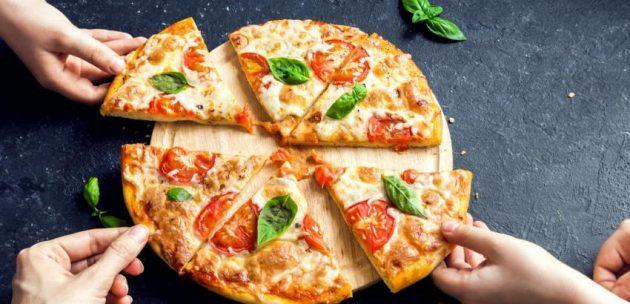 soñar comiendo pizza
