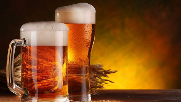 soñar tomando cerveza
