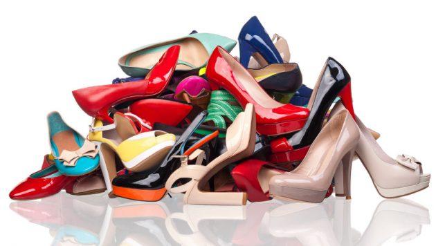 soñar con zapatos de mujer