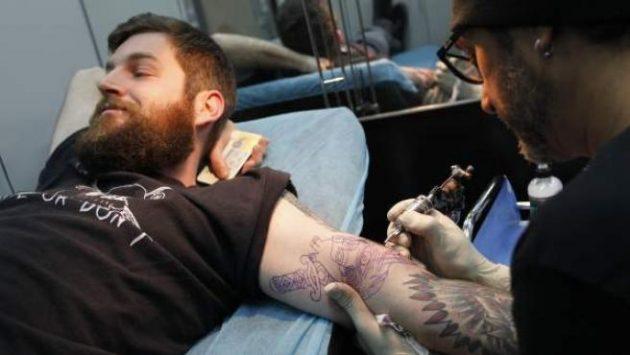 soñar haciéndote un tatuaje